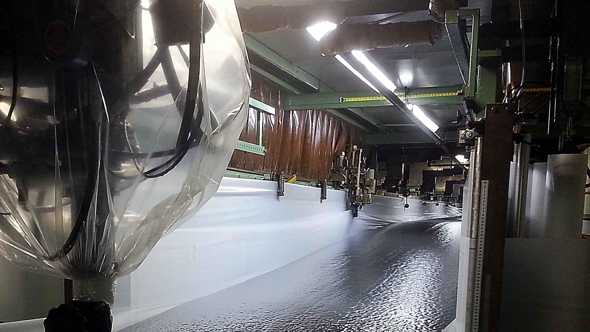 continuous-foam-pour